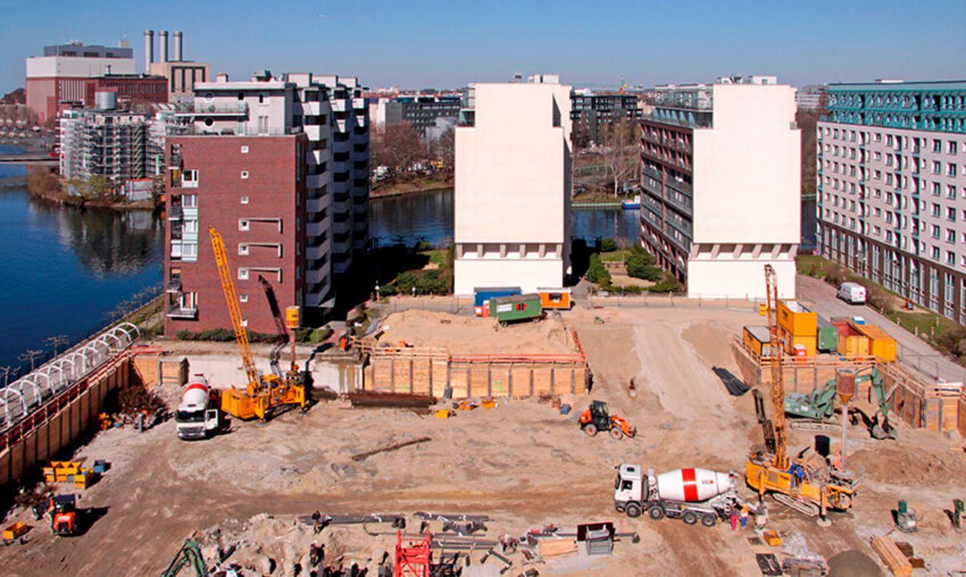 New building project pile foundation SPREE-ONE: Franki Grundbau